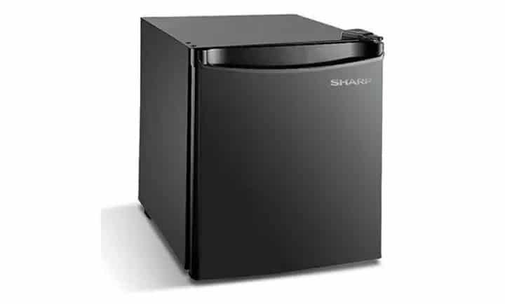 Sharp Mini Bar/Fridge SJM60MK is Top 10 Mini-Fridge in Malaysia, Sharp Mini Bar Fridge is the best way keep your favorite snacks at the right temperature, Best for Beer & Beverages, Best with Freezer